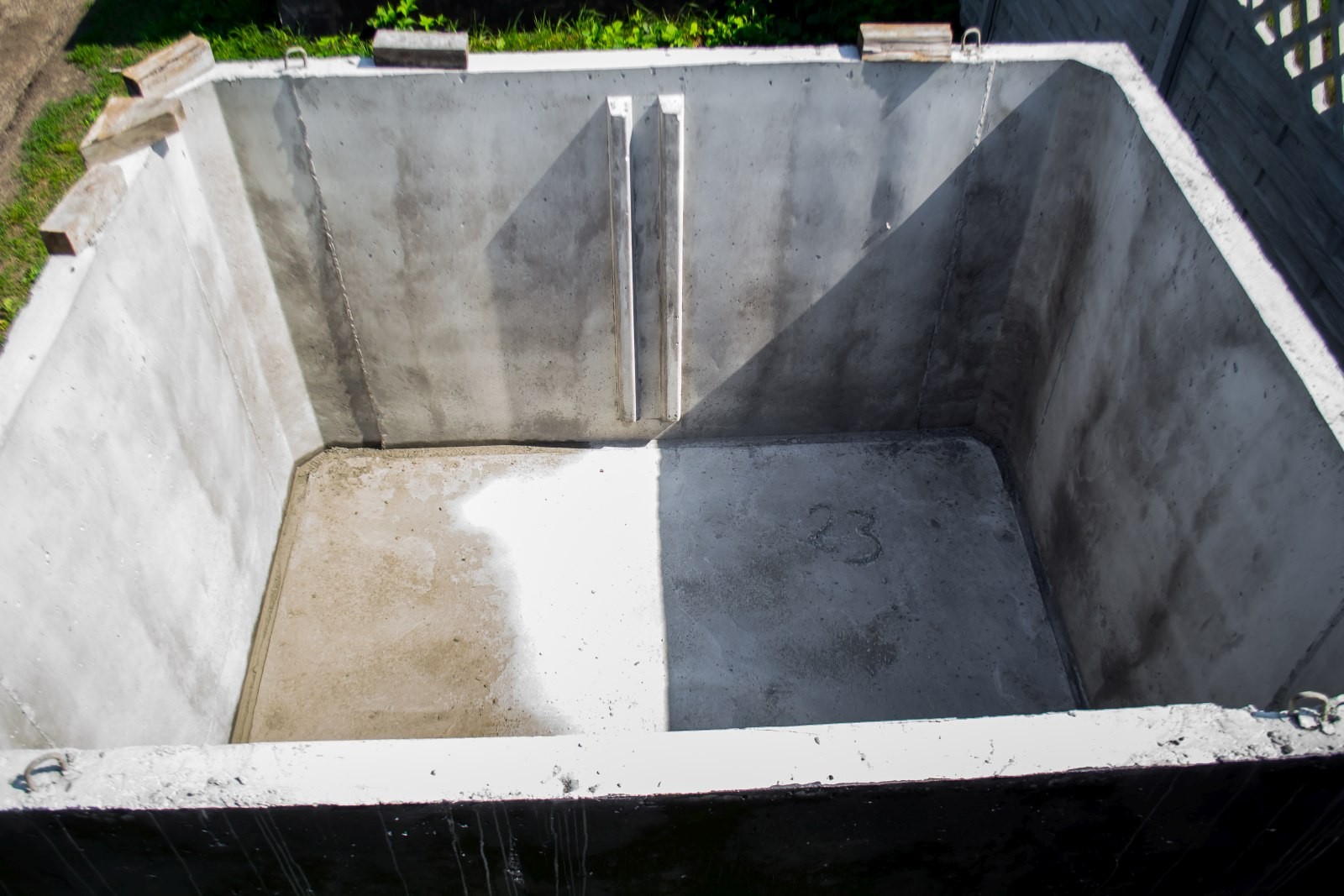 zbiornik betonowy na deszczówkę